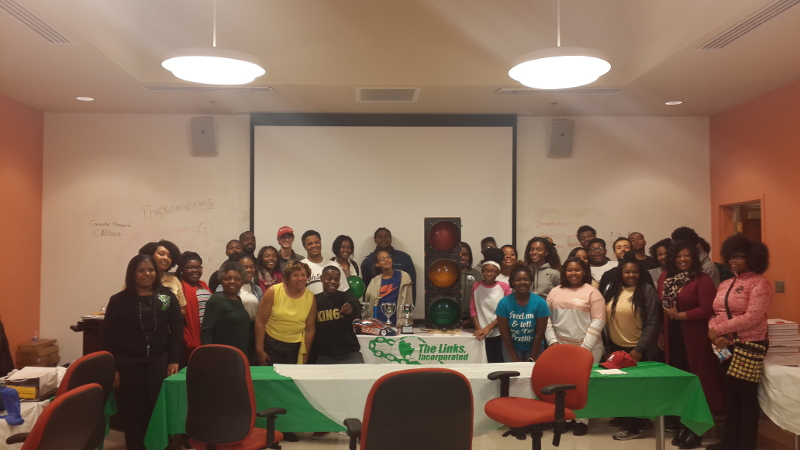 Photo with participants with NSBE MP and The Links Montgomery Chapter